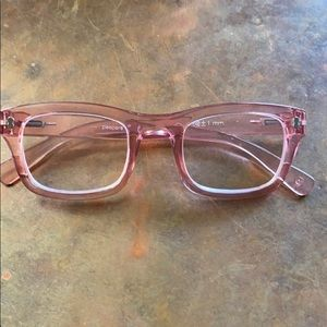 Pink Peepers Readers 2.5